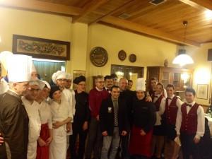 Ragusa Oggi – Lo chef Franco Digrandi prepara piatti con erbe selvatiche